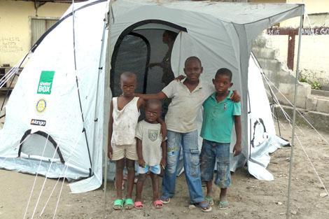 Reuniting Families in The Congo (1/2)