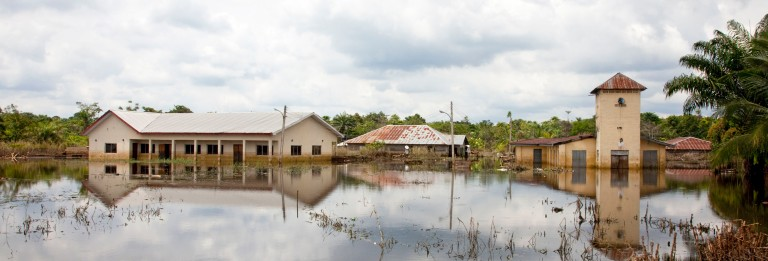 Flood water recedes slowly near Akinima, Rivers State, Nigeria