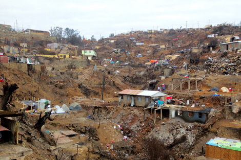 VALPARAISO, CHILE. 14 MAY 2014. The wildfire destroyed entire neighbourhoods. (Torstein Nielson/ShelterBox)
