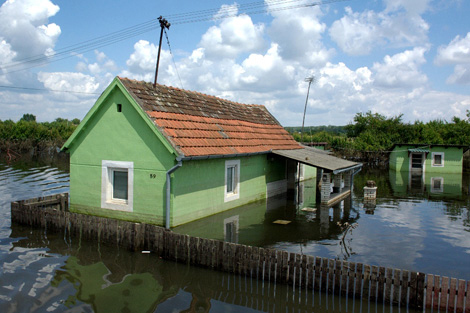 SERBIA. June 2014. Water levels are still high in some areas around Belgrade. (Colin Bradbury/ShelterBox)