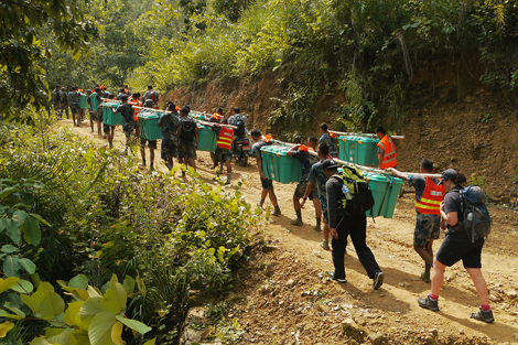 ShelterBoxes on the way to Kunithari Village in western Nepal. Photo: David Hatcher/ShelterBox.