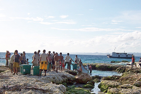 ShelterBoxes arriving on Simeulue Island.