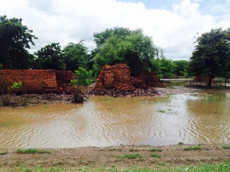 Large parts of Southern Malawi still remain flooded and thousands of people have lost their homes and possessions. (Johnny O'Shea/ShelterBox)