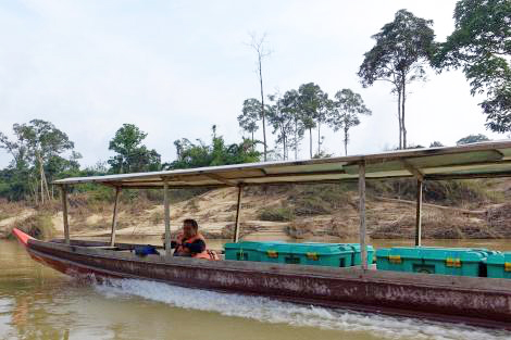 Image of riverboat full of Shelterboxes in Malaysia