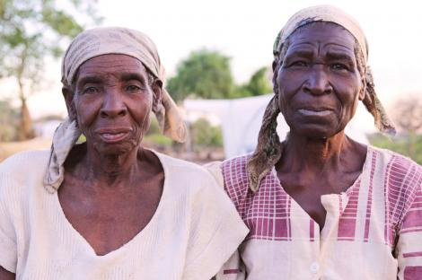Image of 2 elderly Malawian women