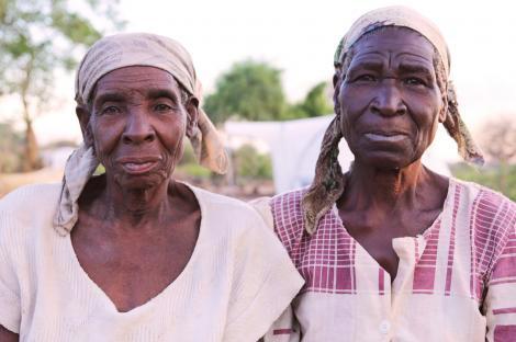 Image of 2 elderly Malawian women