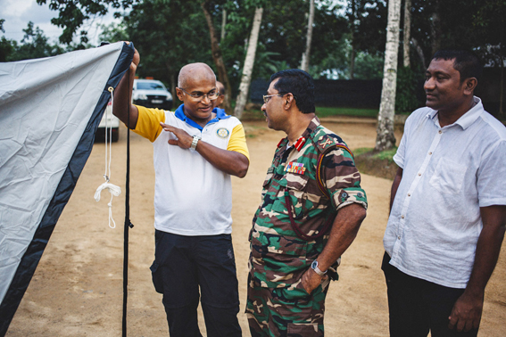 Rotarian and ShelterBox supporter, Supem De Silva with  a Sri Lankan army officer