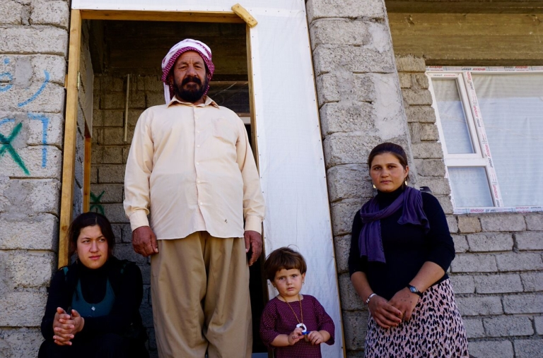 Barkat Ibraheem Khalaf with daughters and granddaughter, Jyan ©ShelterBox/ACTED